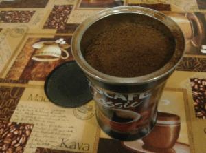 Банка с кофе
