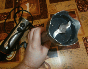 Этот острый нож размалывает всё в кашу